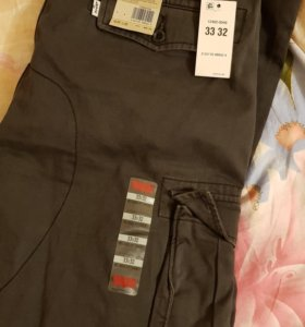 Levi's cargo I 33x32 relaxed fit