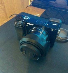 Sony a6000 с объективом sony 1.8 35mm.