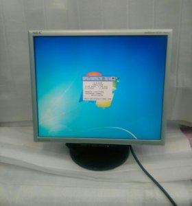 "LCD монитор NEC 17"" Глянцевый"