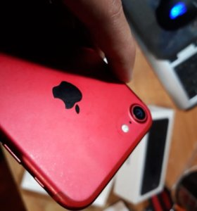 Продам iPhone 7 (32g) Red