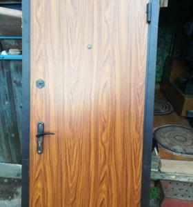 Металлическая дверь б/у с коробкой