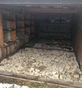 Продам типовой гараж на 3 площадке.
