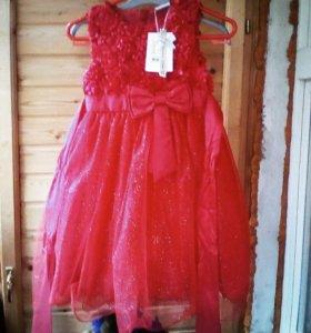 Праздничное платье р.116.