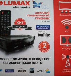 DVB-T2 приставка, медиаплеер Lumax 1110HD