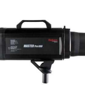 Студийный свет Rekam Master 600