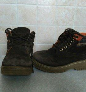 Ботинки на мальчика замшевые