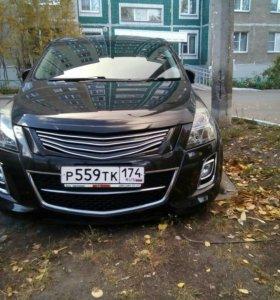 Автомобиль Мазда MPV