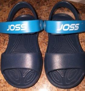 Кроксы,сандали детские