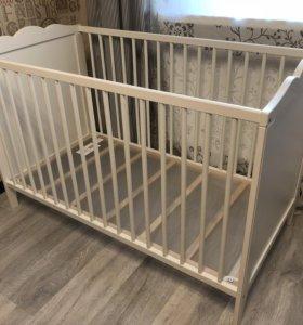 Детская кроватка IKEA + матрасик (Россия)
