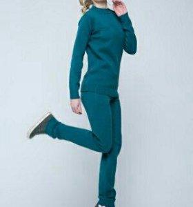 Женская спортивная одежда в Томске - купить одежду для спорта для ... ed00954495b