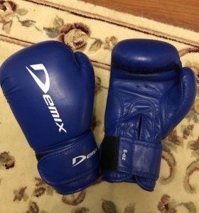 Боксерские перчатки 6-oz