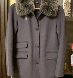 Пальто Lusio (шерсть, кашемир, мех лисы)