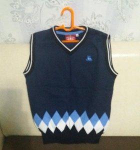 Безрукавка/свитера