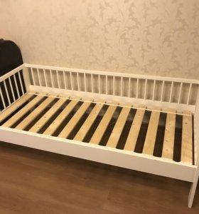 Кроватка с матрасем 160х80