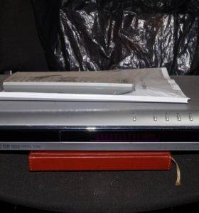 LG DVR573X и Sony DAV-DZ700FW