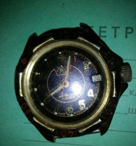 Есть стариные часы штук 15