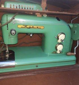 Швейная машинка(электрическая)