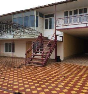 Дом, 1200 м²