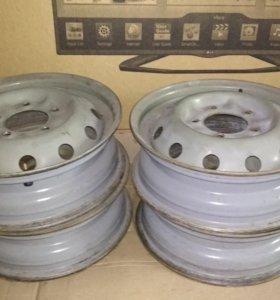 Штампованные диски на Ниву