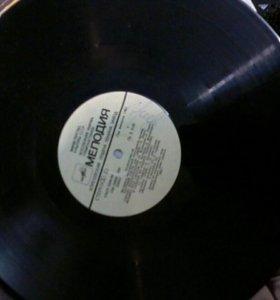 Пластинки со зборниками песен разных исполнителей