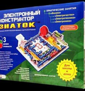 Электронный конструктор Знаток на1000 схем.