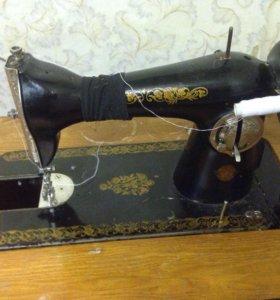 Швейная машина ножная