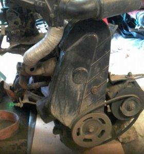 Двигатель с навесниной и коробкой