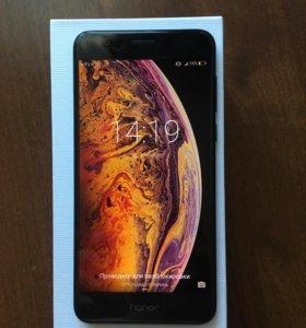 Huawei Honor 8 (32 Гб) черный