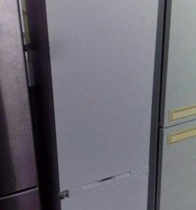 Холодильник Electrolux Встраиваемый