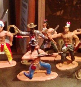Игрушки индейцев + машинка