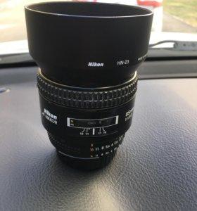 Объектив Nikon 85 f/1.8d