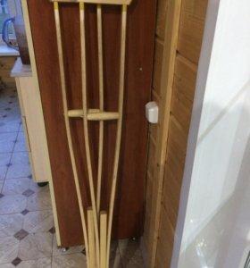 Костыли деревянные в отличном состоянии