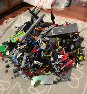 LEGO много :)