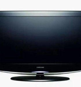 Продаю в упаковке LCD HD TV Samsung LE32R81D