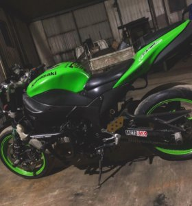 Kawasaki Zx6R 2008 stunt