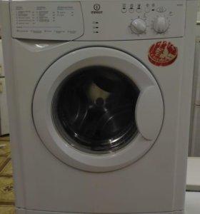 Узкая стиральна машинка б у