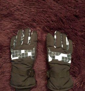 Зимние горнолыжные перчатки