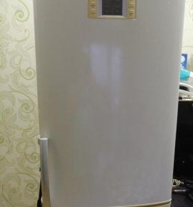 ХолодильникLG 2м.В ремонт или на запчасти