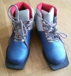 Лыжные ботинки Spine с креплениями