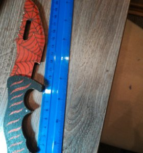 Охотничий нож кровавая паутина (деревянный)