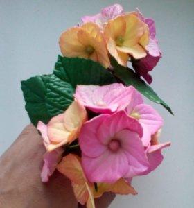 Забавные резиночки с цветами из фоамирана.