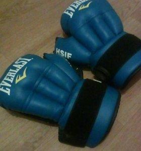 Перчатки профессиональные боксерские