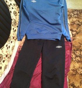 Спортивный костюм ,шорты и футболка Umbro