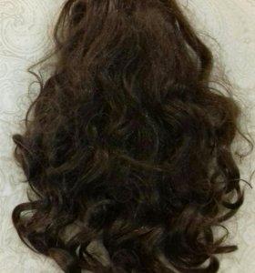 Искуств.волосы на заколке-крабе