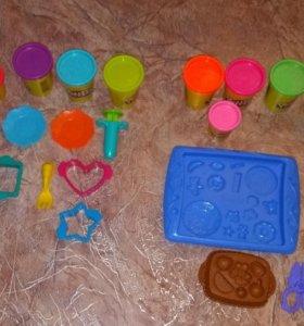Набор для лепки Play-Doh и пластилин.