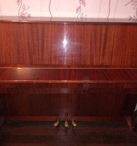 Продам фортепиано Сюита в хорошем состоянии