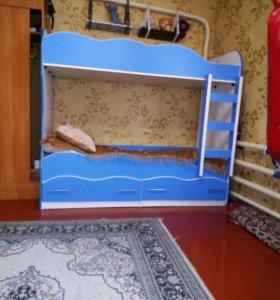 Кровать двухъярусная в отличном состоянии