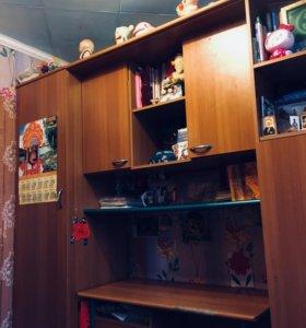 Стенка (шкаф, стол, пенал для белья, антресоли)