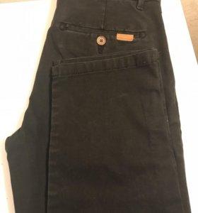 Джинсовые брюки для мальчика.
