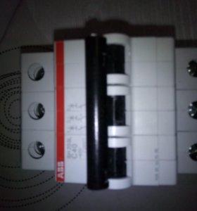 Автоматические выключатели 1 и 3 полюсн